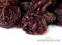 Red Plums dried # 17189 with pits Armenia 500 g
